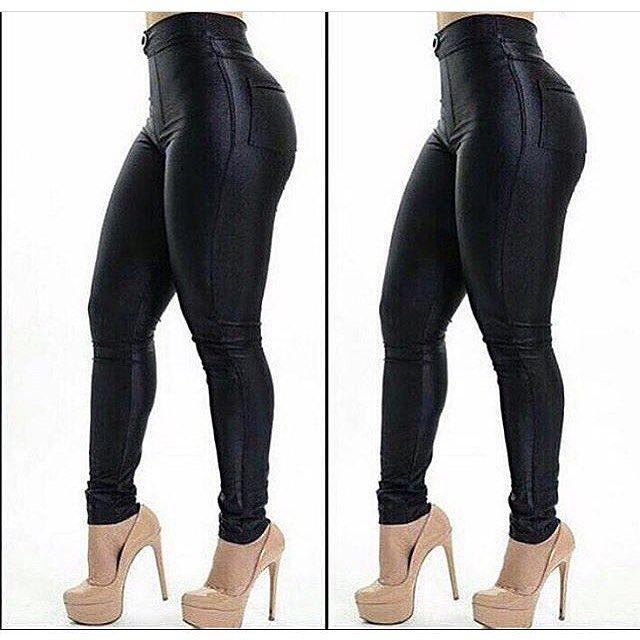 zpr 😱💕 Maravilhosa calça disco Hot Pants 😍 Cintura bem alta, fica linda no corpo!! Tamanhos P M G  Por apenas: R$ 109,90  Peça já a sua!!!! 📲 Whats (11) 98138-3021  #vistabellasereia #bellasereiaboutique #moda #beleza #tendencias #modafeminina #modaparameninas #promocao #calças #hotpants #fashionista #glamour #estilo #ecommerce #sp #brasil #entregamosparatodobrasil
