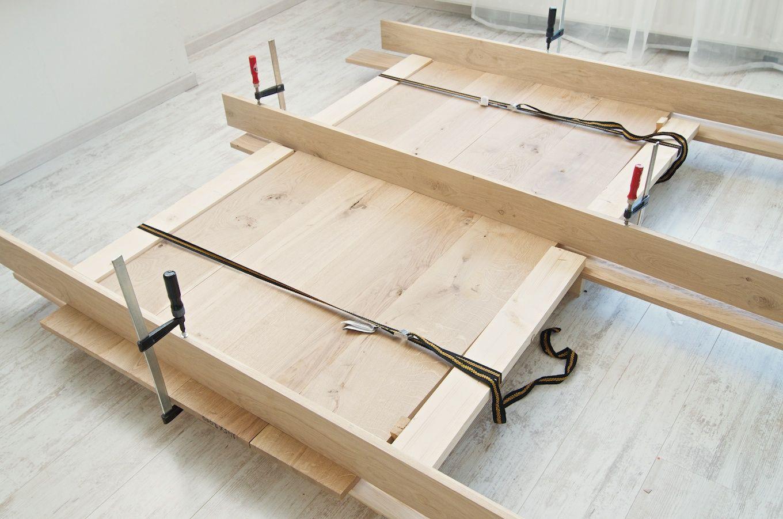 Voorkomen kromtrekken bij lijmen planken tafel eigen for Tafelblad steigerhout maken