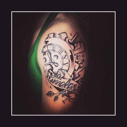 zerosei_tattooTimeless  #timeless #zerosei #tattoo #splendidtattoos #colortattoos #tattoo #tattoos #tattooart #art #artist #tattooer #tattooist #blackandwhite #clocktattoo #Gabriele #Perroni