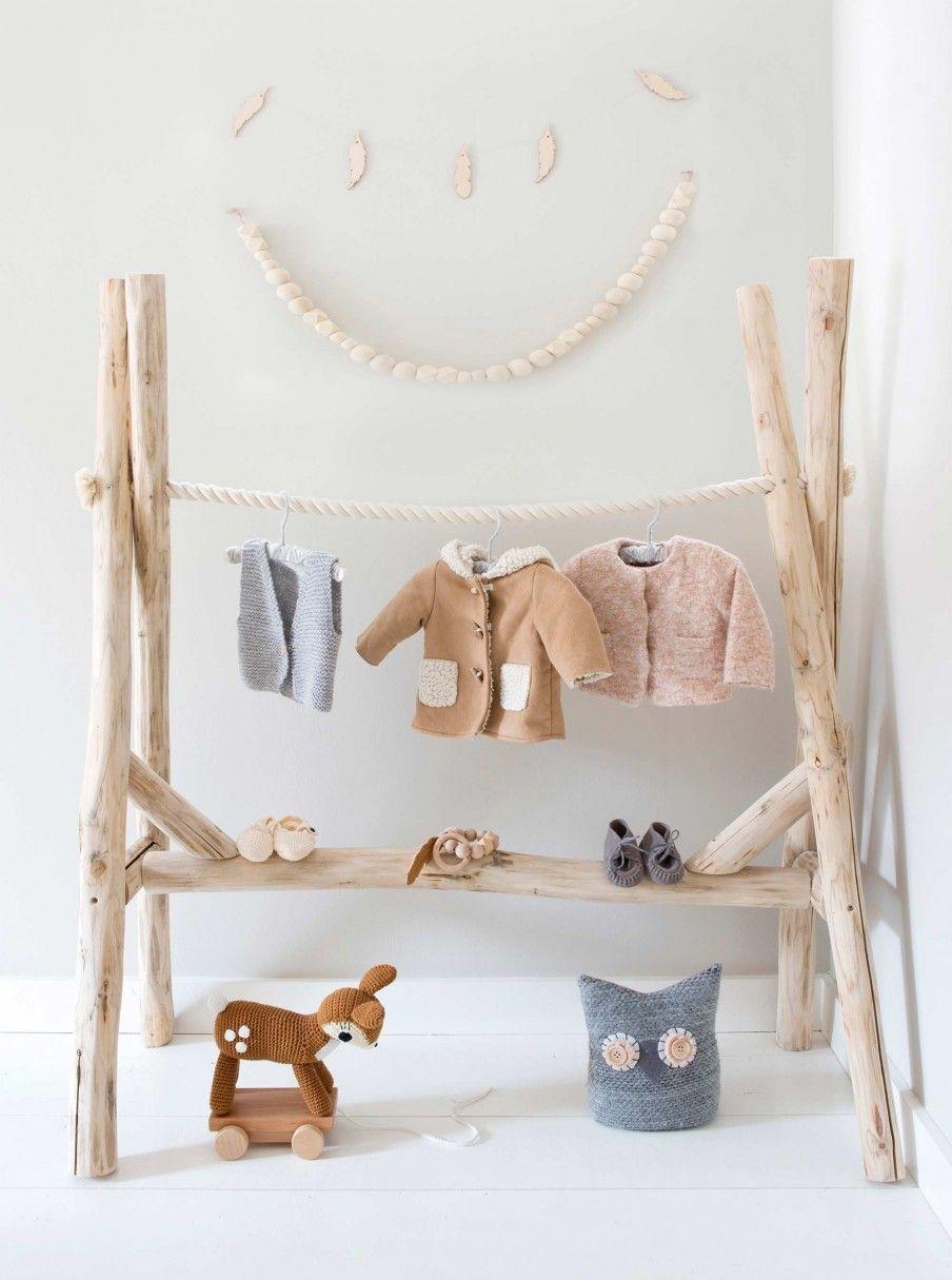 Une maison aux objets faits main  Décoration chambre bébé, Déco