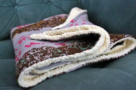 DIY Simple Snuggly Baby Blanket