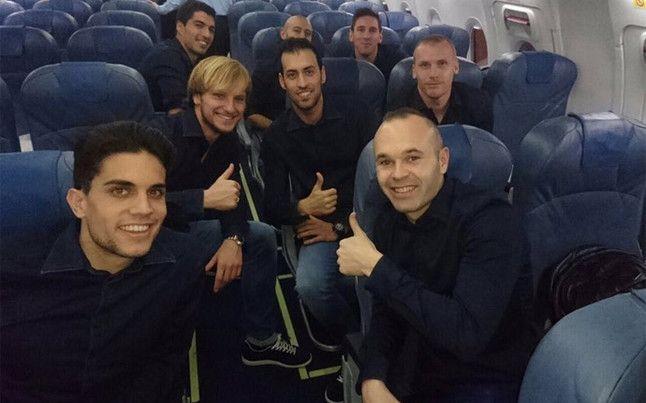 Un avión semivacío y con los jugadores relajados y sonrientes.Esta es la impresión que se desgrana de la fotografía enviada en las re
