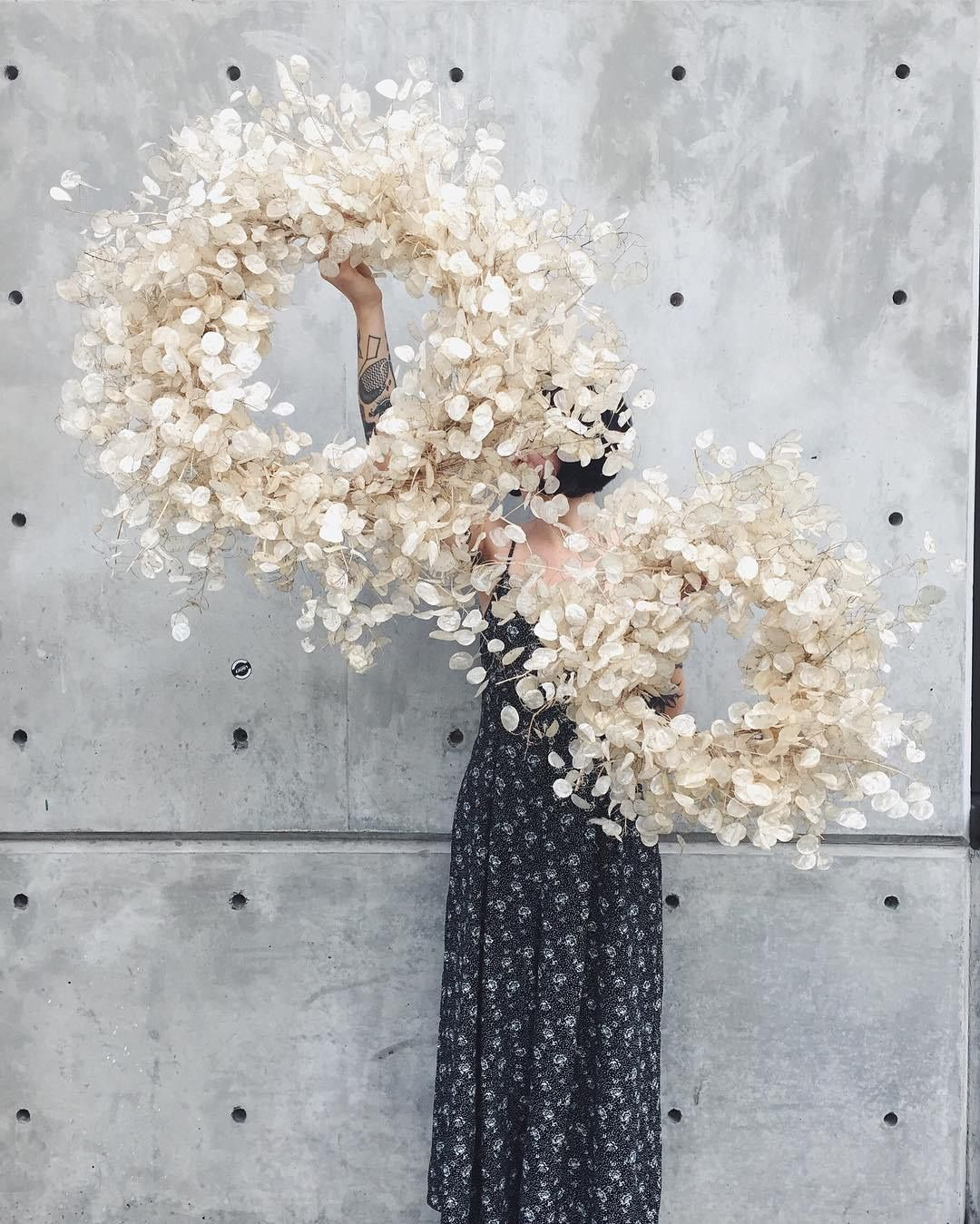 INTERIOR TRENDS 2020 Dried flower wreaths, Christmas