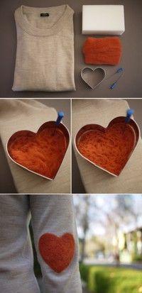 Felt hearts tattooed, gray long-sleeved t