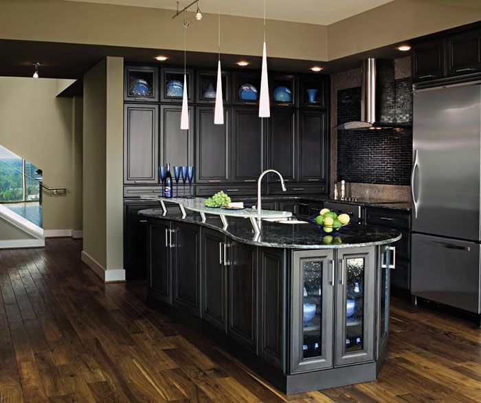 Superb These Dark Grey Kitchen Cabinets Have An Artful Blend Of Traditional And  Contemporary With Uncomplicated Door