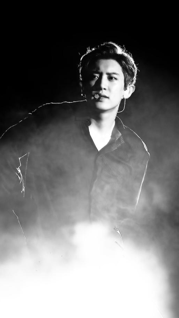 EXO chanyeol. Shit. I thought my extreme fangirling for a month phase was done over exo but nope.