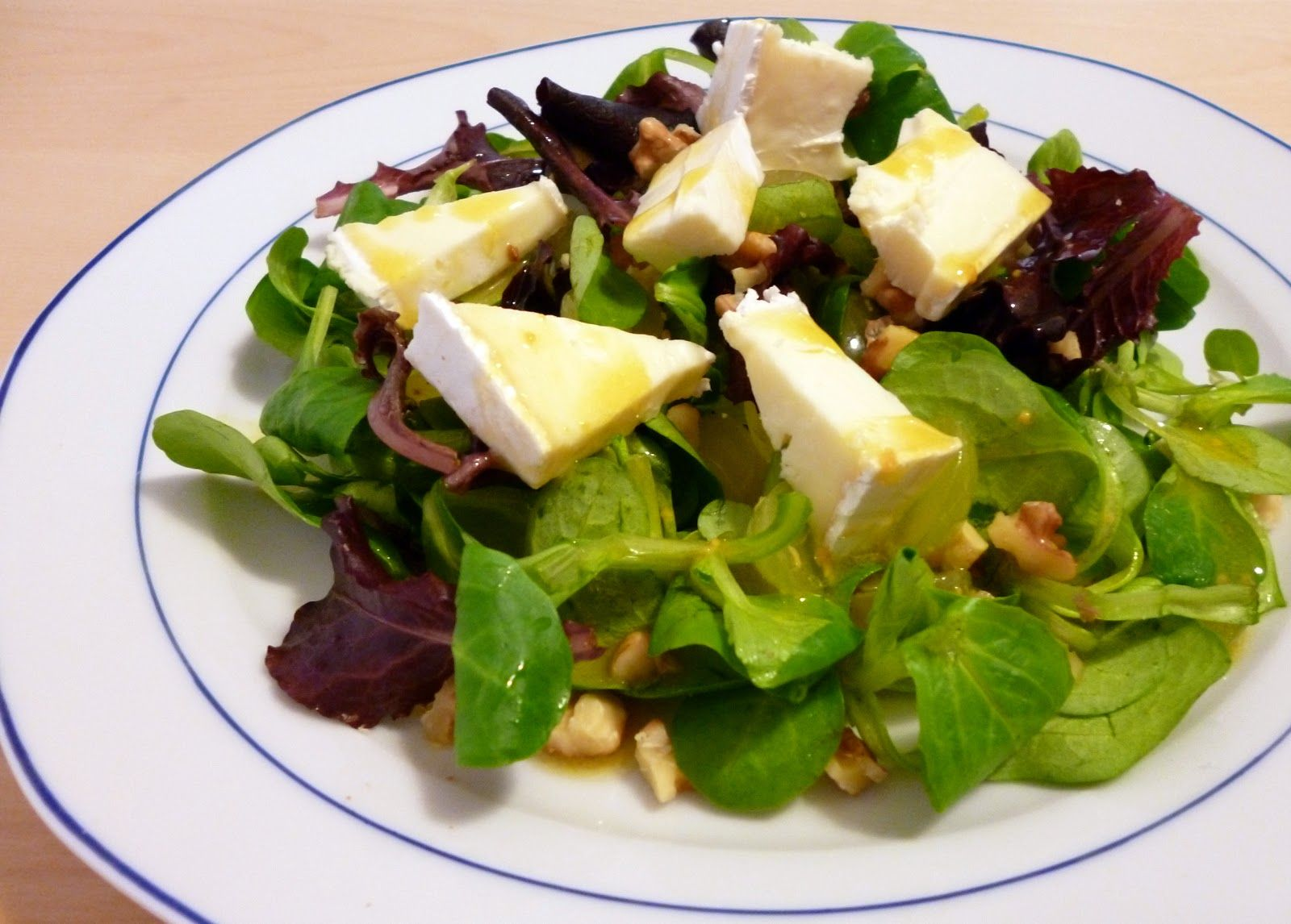 Küchenrausch: Herbstsalat mit Trauben und Käse