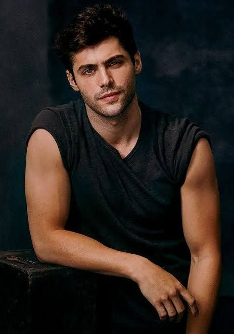 Matthew Daddario eye candy