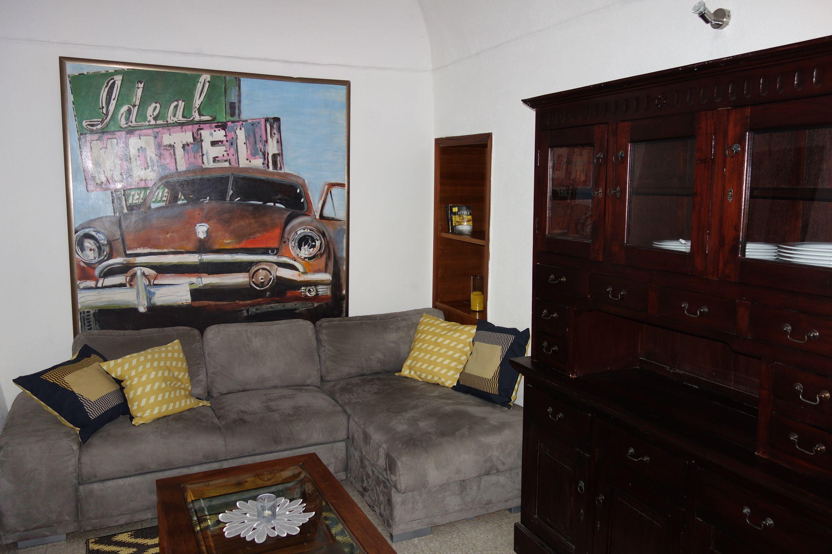 Wohn- und Arbeitszimmer Living and working room Salon et étude ...