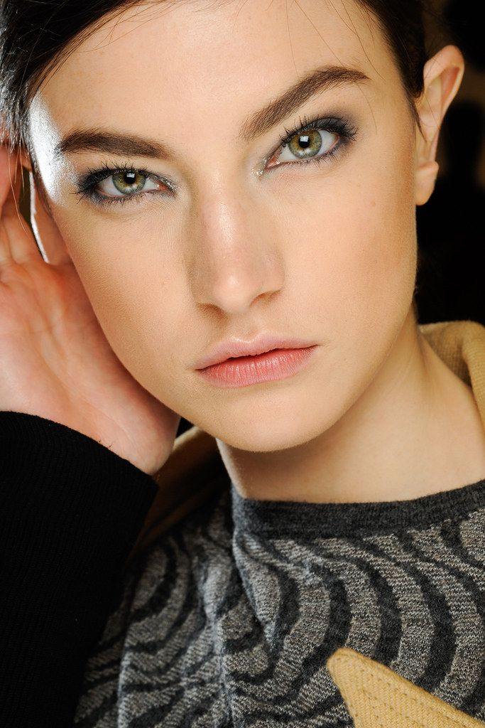 Diane von Furstenberg Fall 2012 Ready-to-Wear Fashion Show Beauty