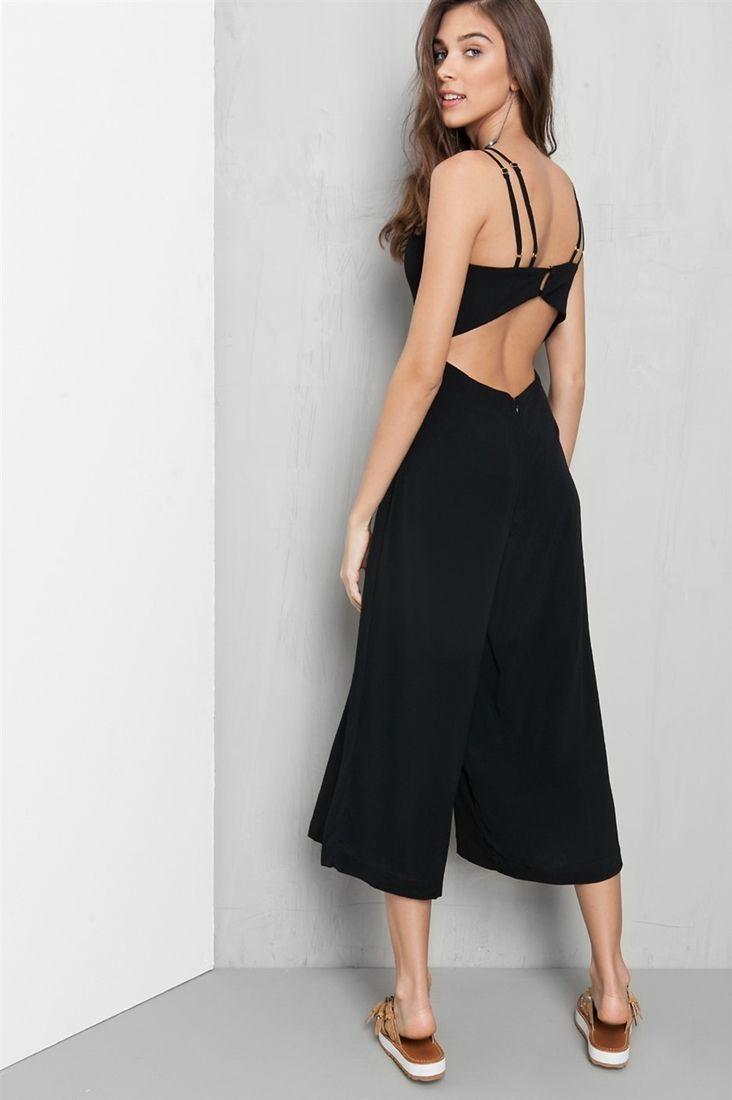 39cdbf59b macacão pantacourt alcinhas   Warm Weather Wear.   Fashion outfits ...