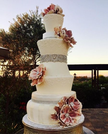 Jaw Dropping Wedding Cake From Cakes To Celebrate Mount Palomar Winery Temecula Ca Weddings Weddingcake Desserts Sweets Loveissweet