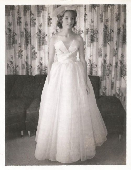 Vintage Brides — fifties-sixties-everyday-life: Bride, c. 1961 ...
