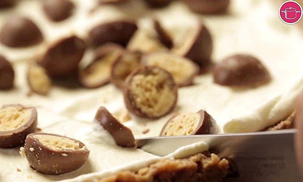 اطيب طبخة Atyabtabkha On Instagram وصفة حلى المالتيزر بالبسكويت لعشاق الشوكولاته المكو نات لتحضير القاعدة شوكولاتة م Desserts Food Stuffed Mushrooms