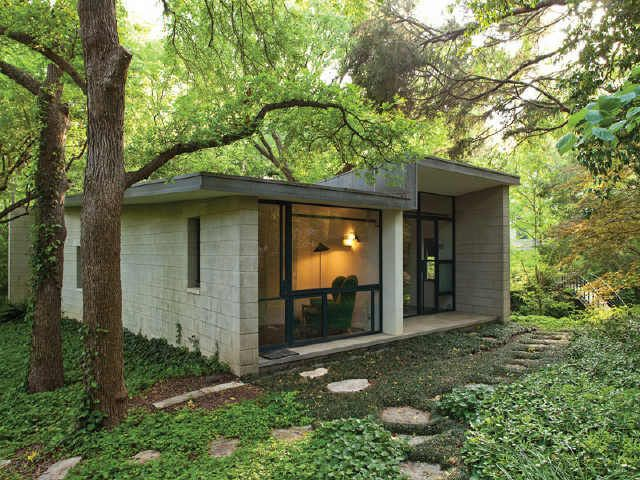 Steven Holl's Swooping Stretto House