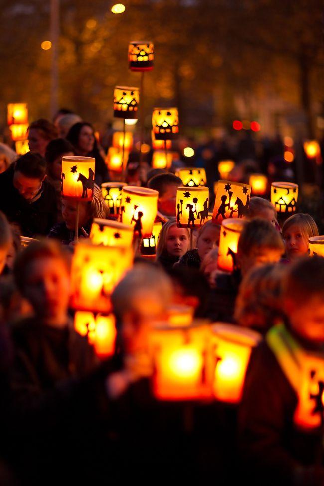 Martinstag Teach Where You Live Festival Lights Festivals Around The World Holidays Around The World
