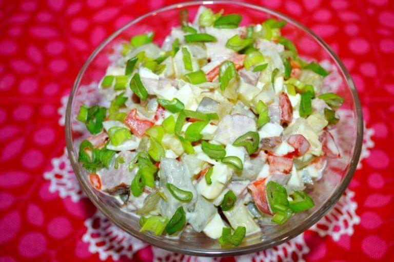 Салат с ветчиной и солеными огурцами. Пошаговый рецепт с ...