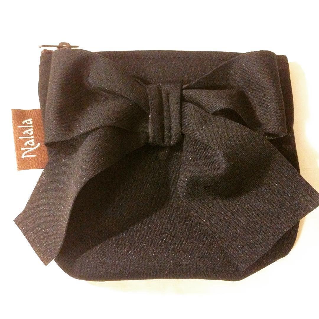 Tämä ompelemani kolikkopussukka vei eilen voiton virtuaalipikkujoulujen ompeluhaasteessa. Kankaana tässä käytetty Myllymuksujen pul-kangasta. #ullannalala #ompelu #ompelumania #myllymuksut