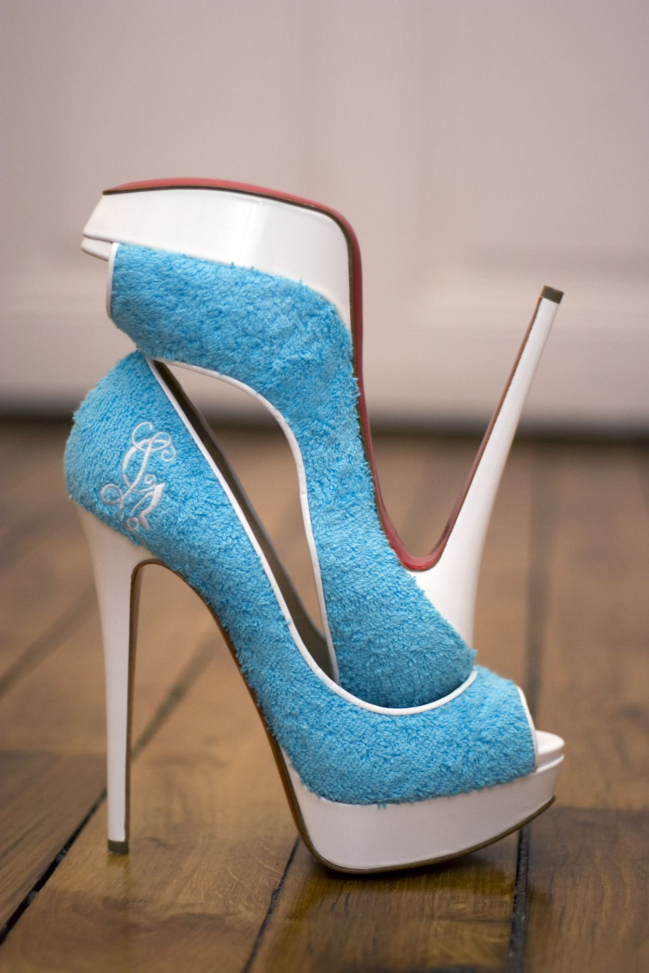 Reminds me of so many things...  Terry towelling...  Tennis balls... Smurfs.... Tiffany's....  Grover?    -Louboutin.