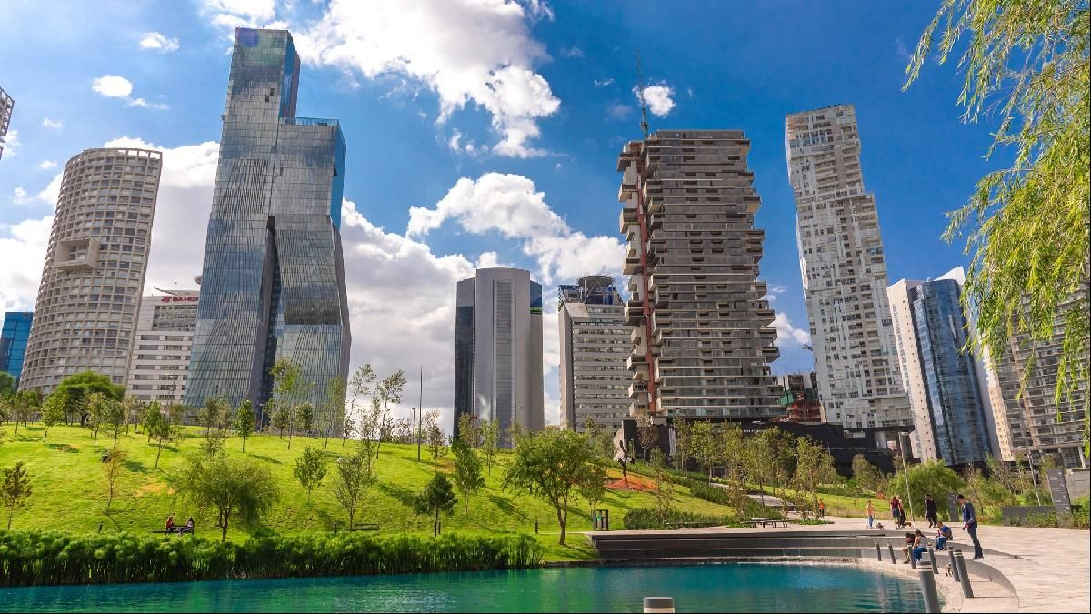 Five Reasons To Live In Mexico City Living In Mexico City City Mexico