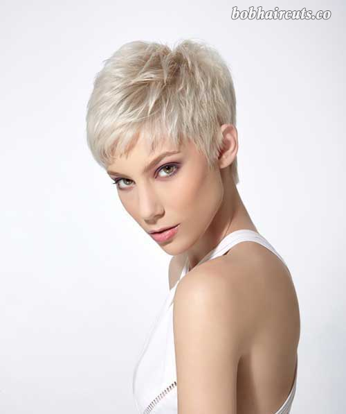 Short Haircuts You Should Try For Fine Straight Hair 11