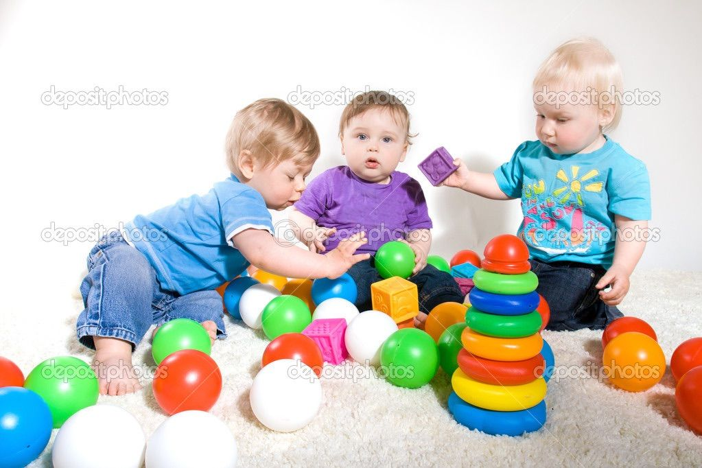 This Is A Fun Activity For Babies To 11 Months It S Helps Them To Understand Shapes Different One Year Old Baby Activities For 1 Year Olds Infant Activities