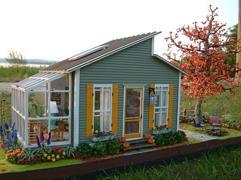 Iseeblue Typepad Com This Is A 1 12 Miniature Not A Tiny House Visit For More Photos Of The Inside Cute Little Houses Tiny House Movement Small House