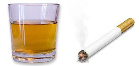 Alcohol and cigarette cause sores on the roof of the mouth