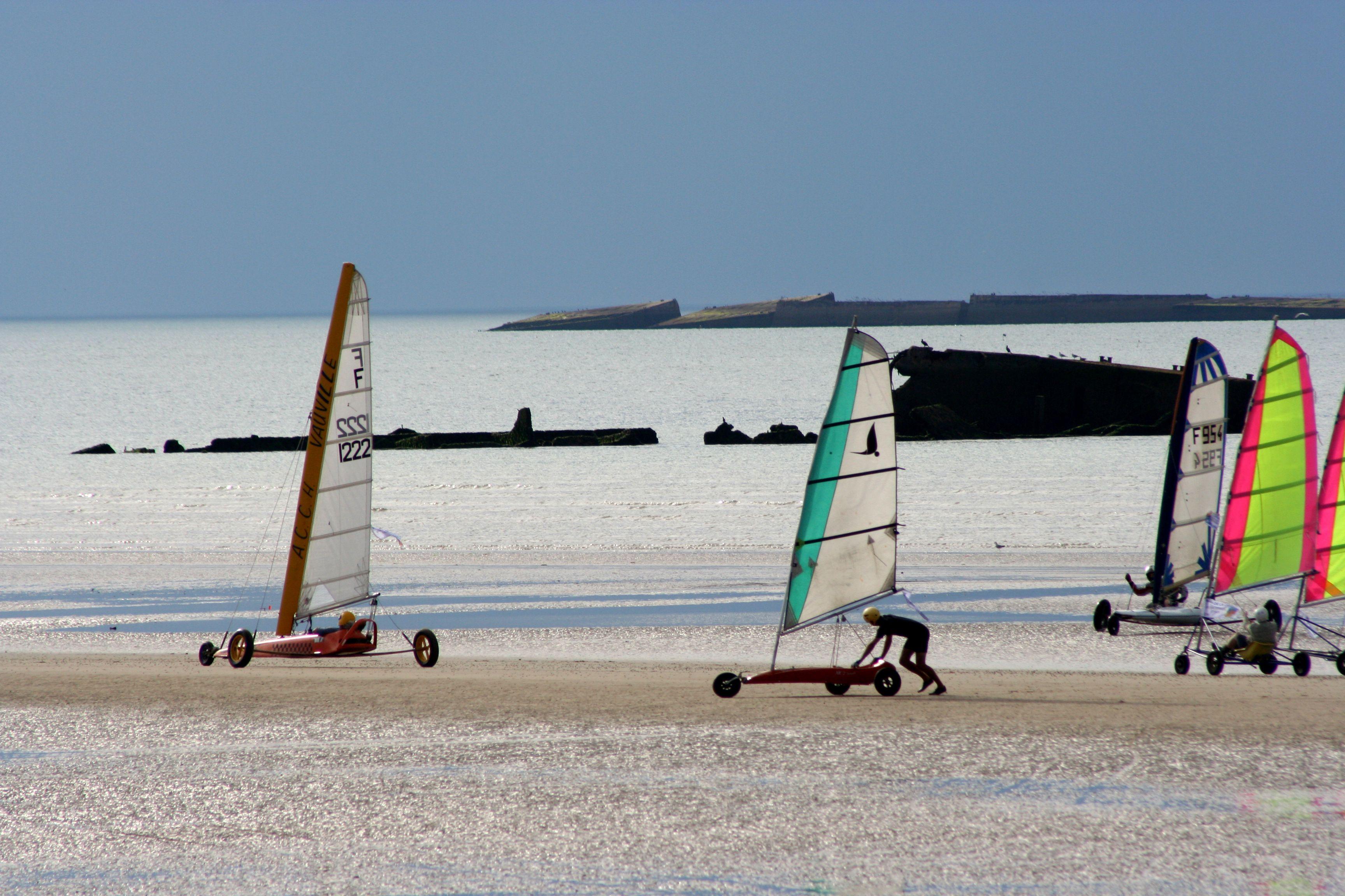 Le Char A Voile Sur Les Plages De Normandie Filer A La Vitesse Du Vent Sur Les Plages De Cabourg Un Vrai Plais Char A Voile Ski Nautique Planche A Voile