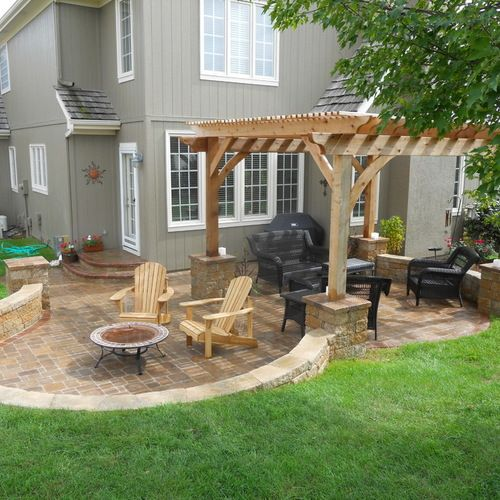Best Kansas City Patio Design Ideas Amp Remodel Pictures Houzz Patio Pavers Design Small Backyard Patio Small Backyard Landscaping