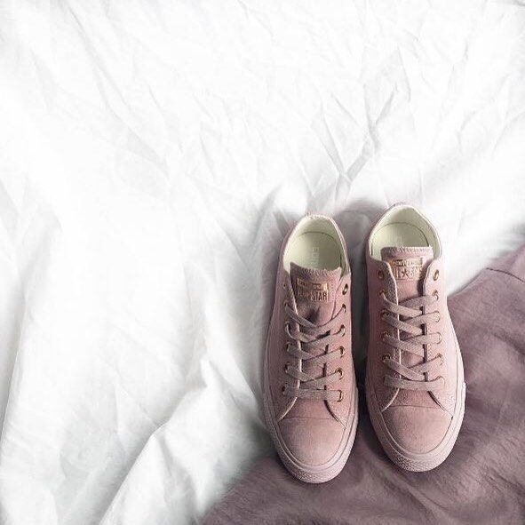 18a1f640fa26 RG   thecourteeners feat our  exclusive  converse All Star Low Leather in  burnished lilac rose gold. Don t miss out on your size   shop straight from  our ...