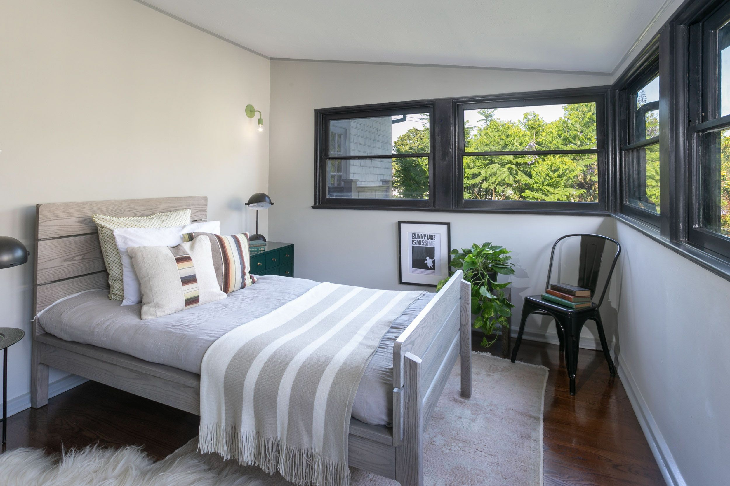 Guest Bedroom 2 Windsor Square - Los Angeles, Ca Offered