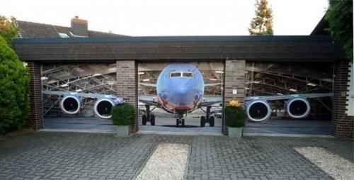 Hangar DAvion Sur  Portes De Garage  Deco  Maison