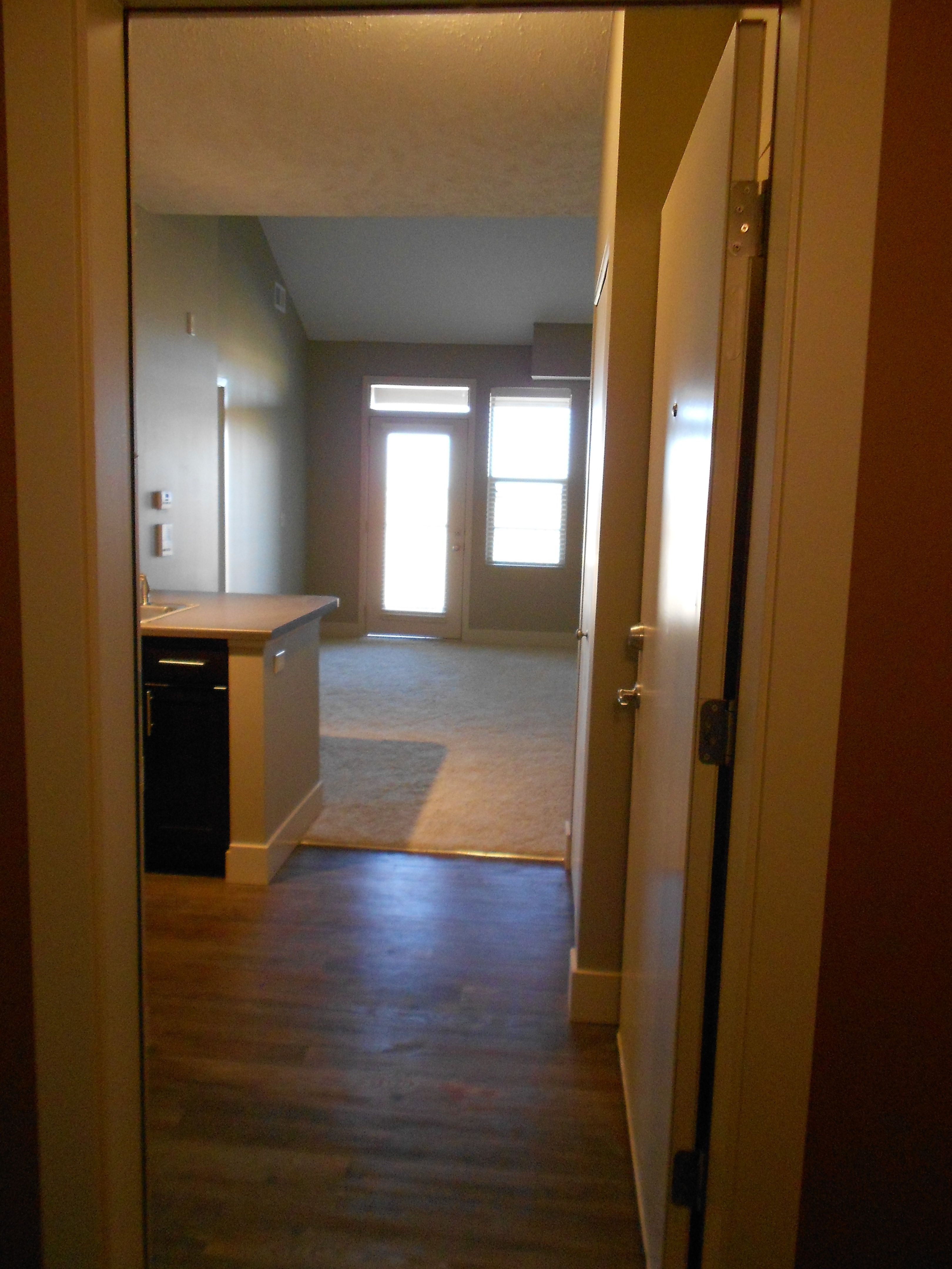 Entry The Jackson At Broadmoor Hills One Bedroom Bedroom Apartment Modern Kitchen