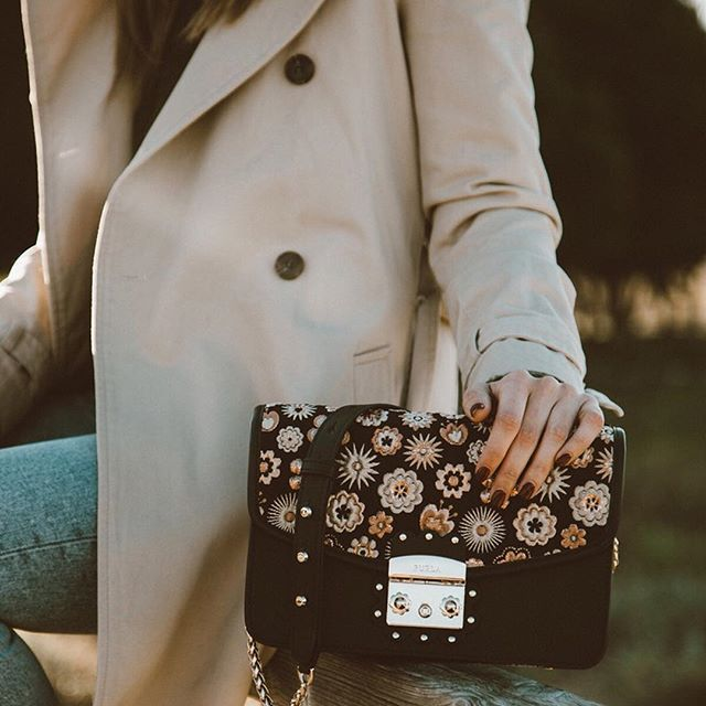 f0fbad294c2 All the pretty details.  lovelypepa with her Furla Metropolis Arabesque bag,  available exclusively online. For more info click the link in bio.