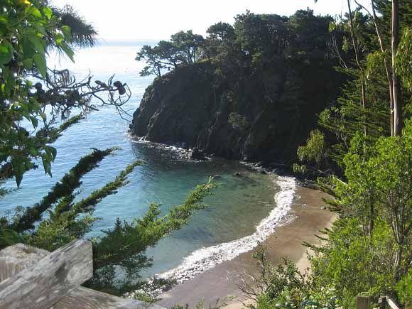 gualala single men Mendocino hotels beaches attractions restaurants wineries romantic weddings on mendocino coast in mendocino county ca.