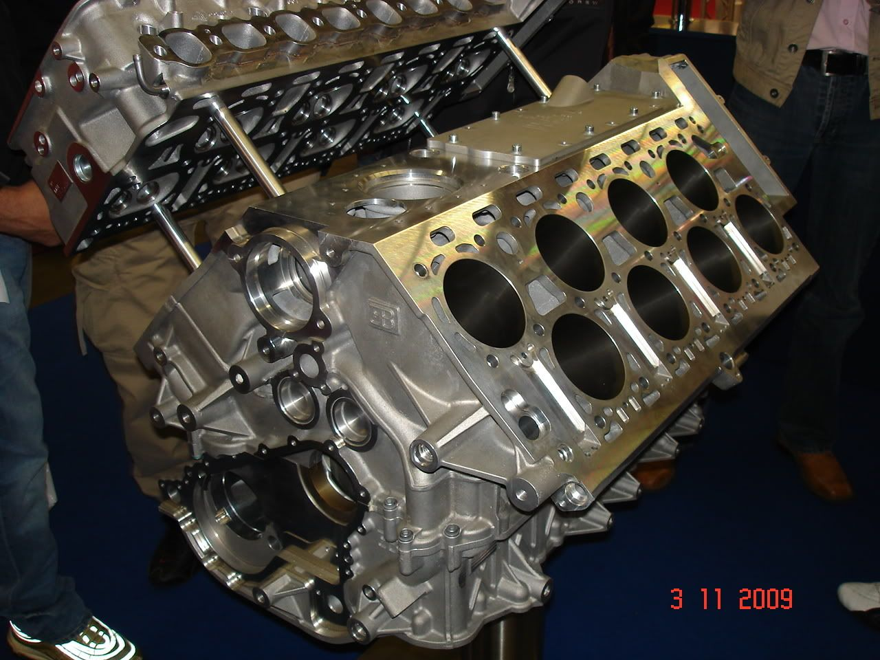 bugatti veyeron w16 engine block the gasoline engine pinterest rh pinterest com bugatti veyron w16 engine [ 1280 x 960 Pixel ]