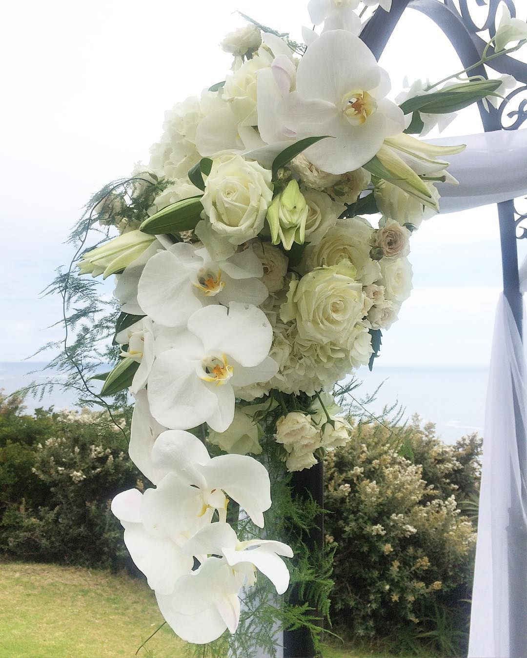 Lovely #flowers for today's #wedding #arch at #12apostles #themosaicweddingcompany #weddingday #weddingplanner #capetown #orchids #hydrangeas by mosaicweddings http://ift.tt/1ijk11S