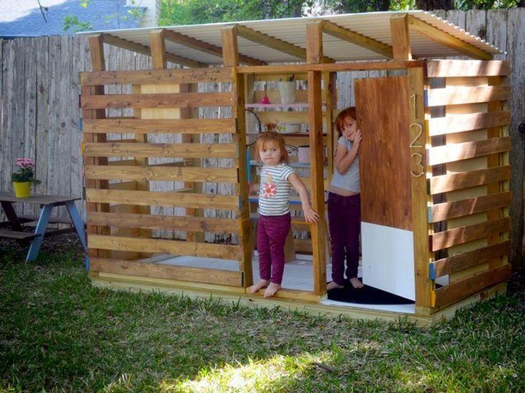 #DIY Pallet #Kids Playhouse