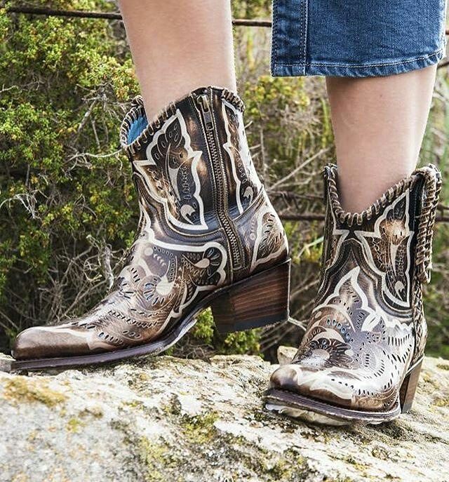 b698cb3f47d983 Boots in the nature by  ibizamode  sendra  sendraboots  highquality   handmadeboots  madeinspain  loveboots  fashionboots  leather  authentic   cowboy ...