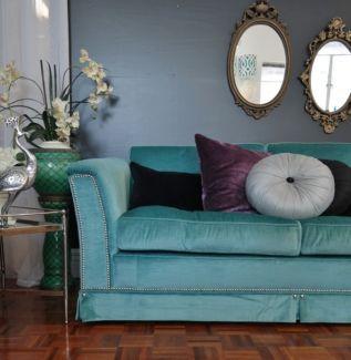 1970s Vintage Turquoise Velvet Sofa 3