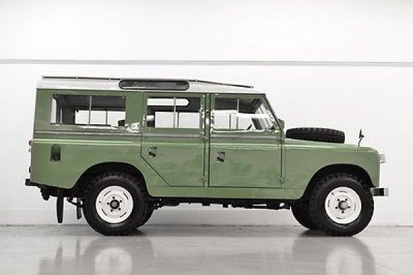 1965 Land Rover Defender Series-IIa 1965 Land Rover 109 Series-IIa - 2.25L Gas