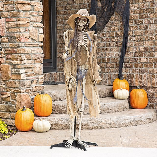 D coration halloween pour un jardin qui donne la chair de for Poule decoration exterieur
