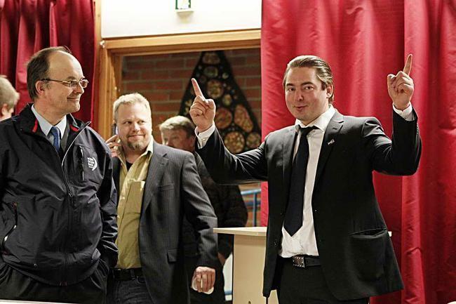 Huhtikuun eduskuntavaaleista jäi historiaan Perussuomalaisten jytky-voitto. Puolue sai Oulun vaalipiiristä neljä uutta kansanedustajaa. Heistä yksi on oululainen Ville Vähämäki (oik).  Kuva: Tapio Maikkola