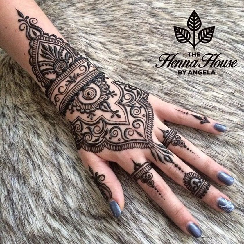 Stunning Gallery Of Mandala Henna Hand Art That Will Make You Want To Have It With Images Hand Henna