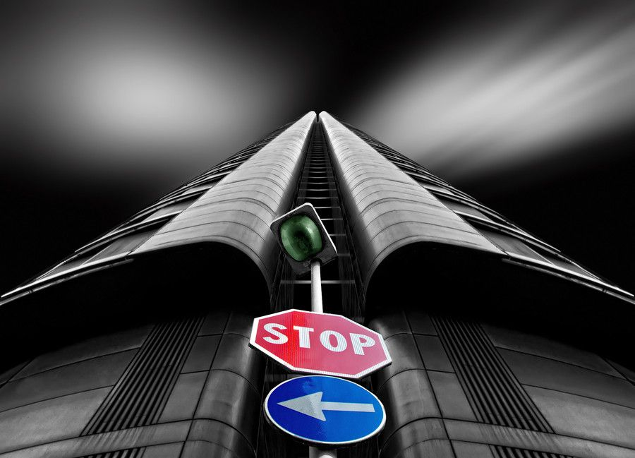 STOP <== by Alfon No on 500px