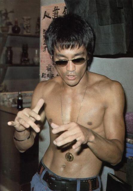 af85b080f08b2 Bruce Lee shirtless