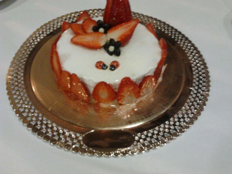 #Tarta de fresa y nata #postres #restaurante #decarla #Moaña #gastronomía