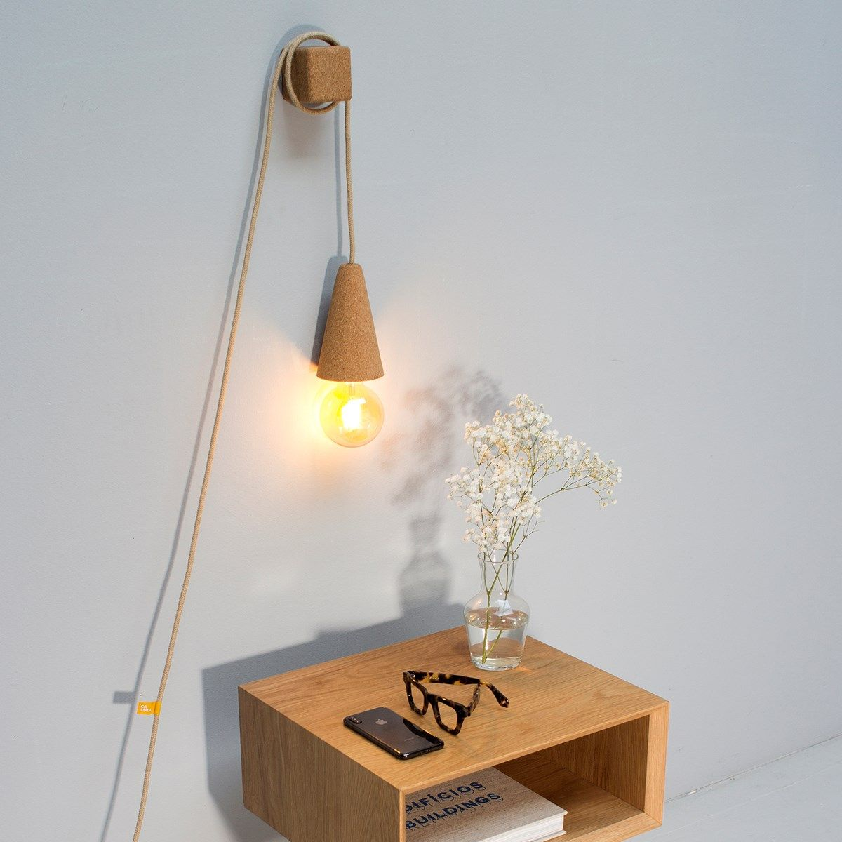 Lampe Baladeuse Sino Pose Liege Clair Et Cable Beige Lampes De Table Lampe A Poser Design Lampe Design