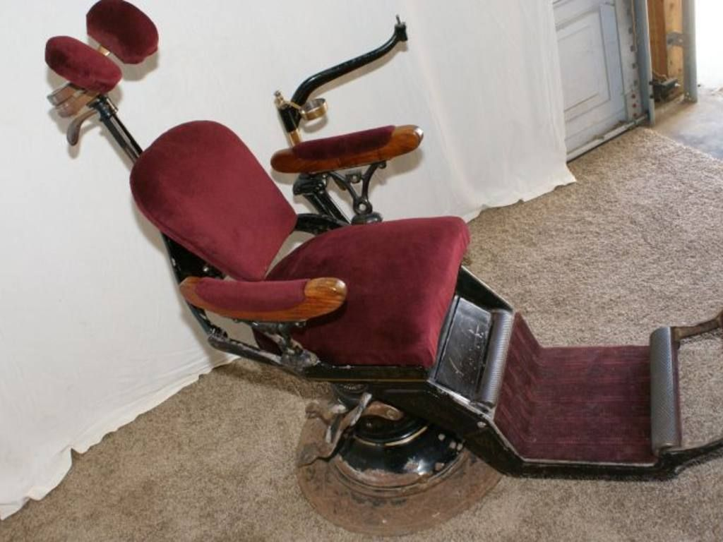 1893-1905(?) Original Columbia Ritter Dental Chair